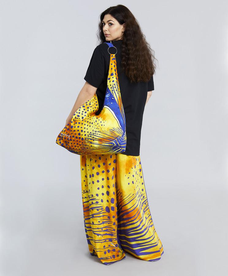 zummy borsa indossata gialla