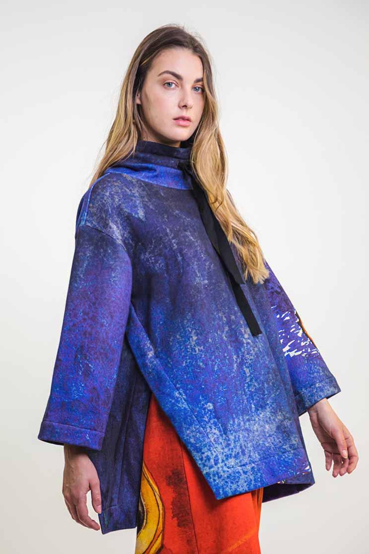 zummy felpa blu laterale da moda sostenibile
